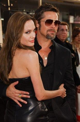 Angelina Jolie i Brad Pitt na plaży