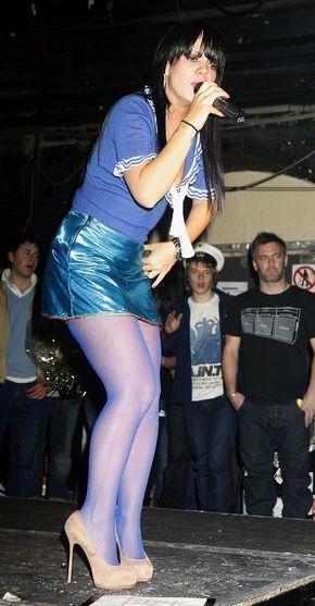 Lily Allen zdjęła spódnicę podczas koncertu (FOTO)