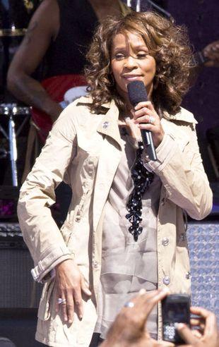 Whitney Houston męczyła się przy starej piosence (VIDEO)