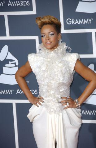 Rihanna w szykownej kreacji od Elie Saab (FOTO)