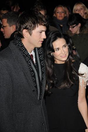 Ashton Kutcher lubi włączać żonie pornosy