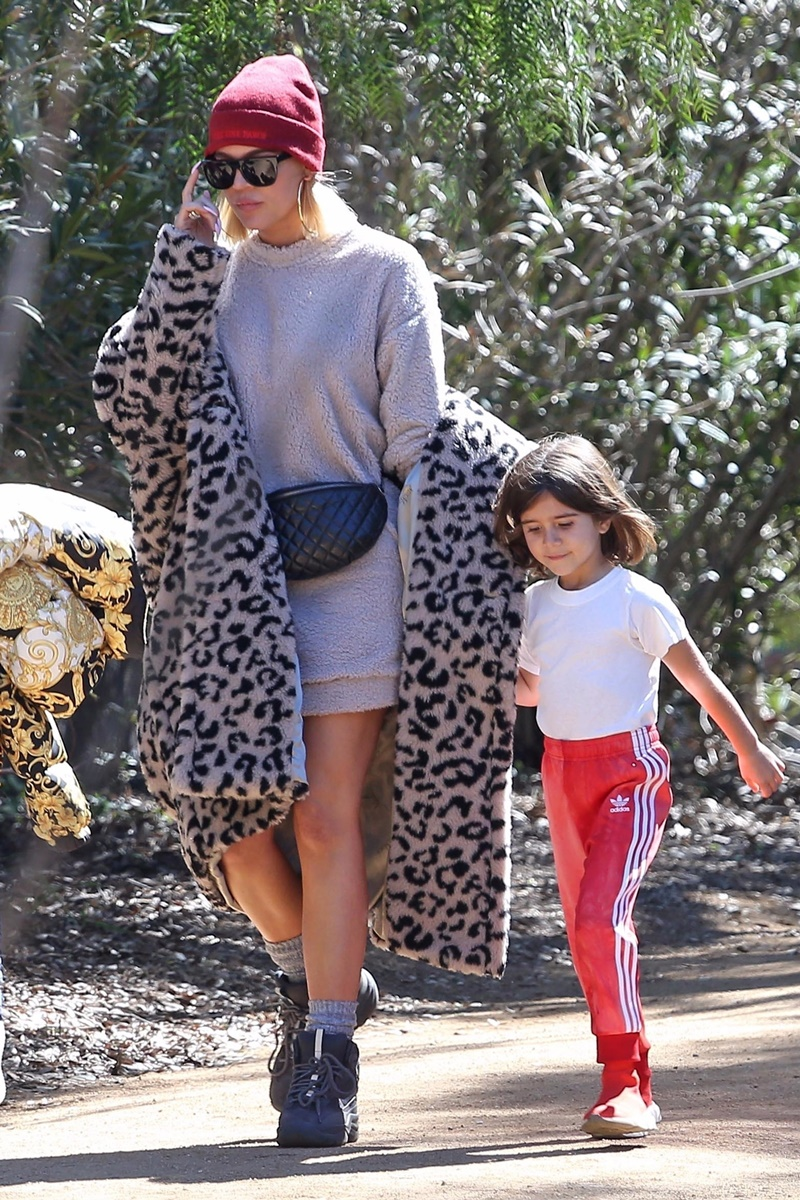 Khloe Kardashian is seen leaving church with her supporting family after her breakup Khloe Kardashian