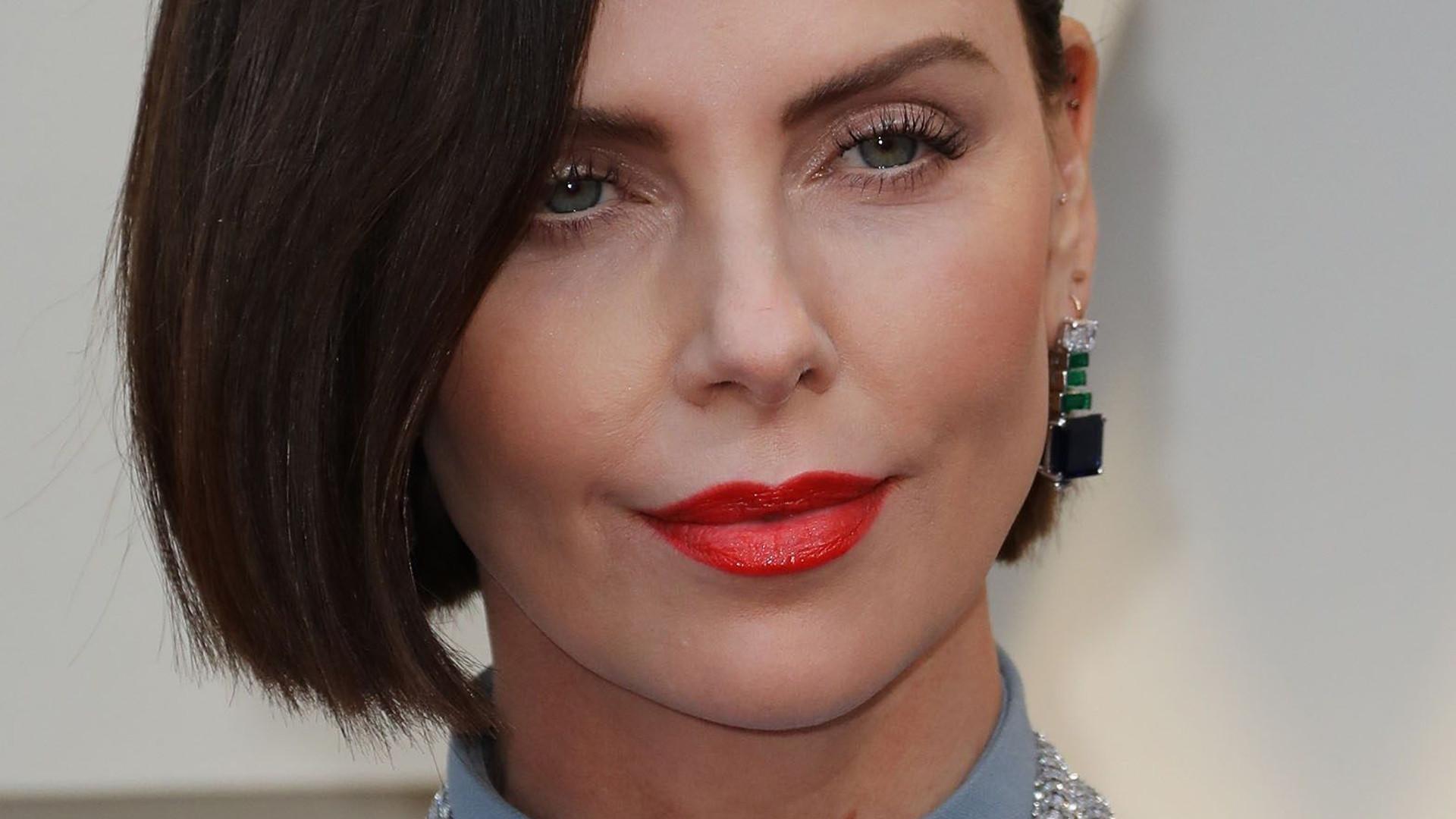 Charlize Theron na Oscarach 2019 pokazała nowy kolor włosów (ZDJĘCIA)