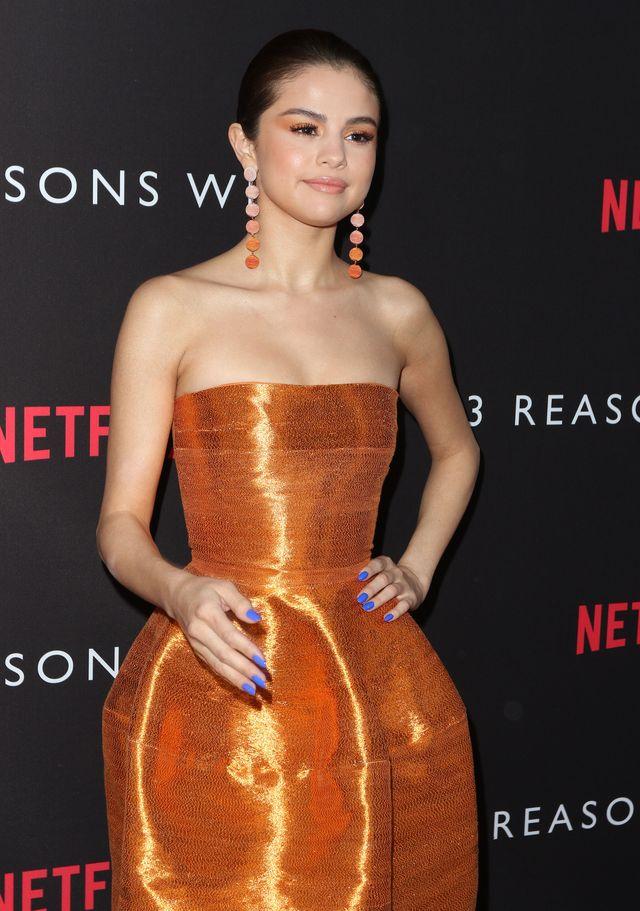 Selena Gomez (24 l.) jest jedną z najbardziej znanych na świecie gwiazdek, jej Instagram przez długi czas obserwowała rekordowa ilość osób, nie potrzebuje zatem rozgłosu spowodowanego domową taśmą porno, a takie, jak wiadomo potrafią przynieść 10 milionów dolarów w ciągu 10 lat (CC: Kim Kardashian).