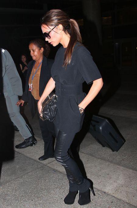 Victoria Beckham na lotnisku, 26. czerwca 2012