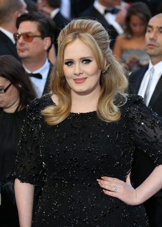 Ten cover Hello Adele ma już ponad 5 MILIONÓW odsłon [VIDEO]