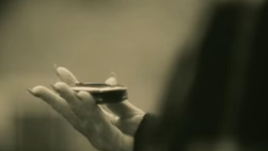 Internet �mieje si� z teledysku Adele (AUDIO)