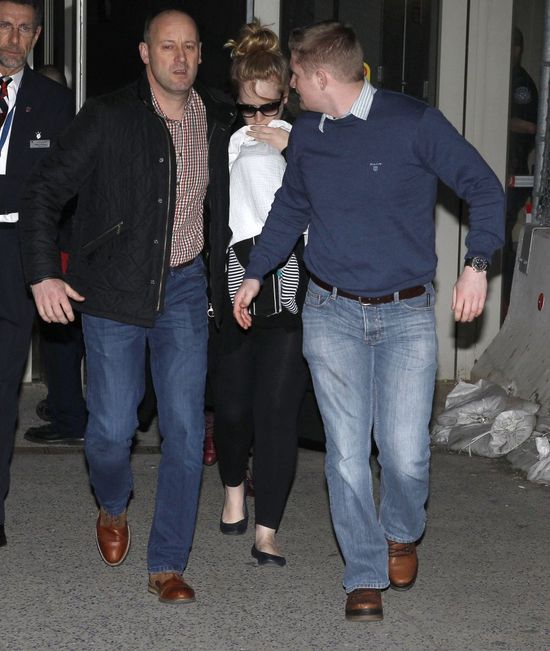 Adele rozsta�a si� z Simonem Koneckim?!