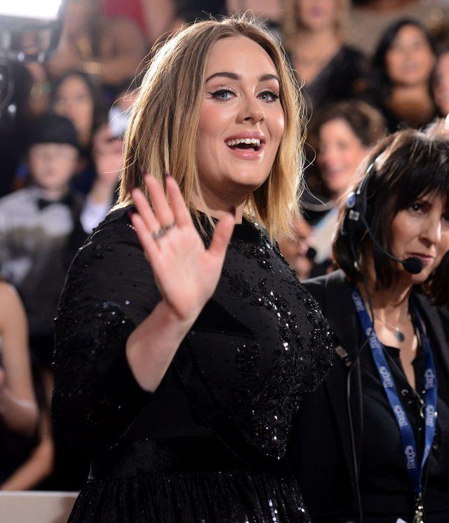 Jak Adele nazywa intymne części ciała kobiety?