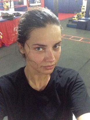 Adriana Lima ćwiczy po 40 godzin w tygodniu