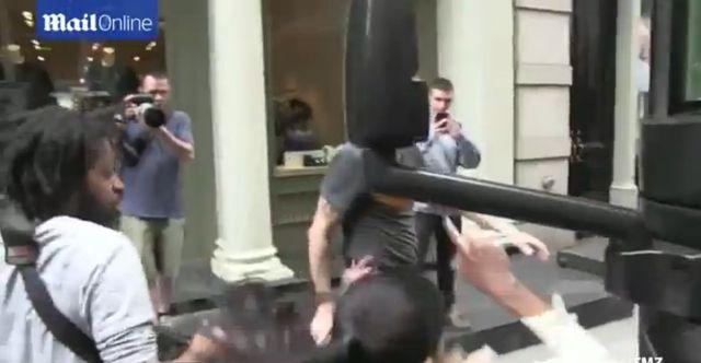 Adriana Lima miała wypadek na planie zdjęciowym (VIDEO)