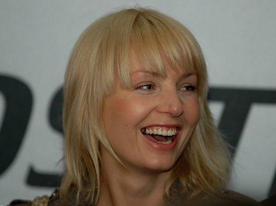 Tak zmienia�a si� Agnieszka Szulim (FOTO)
