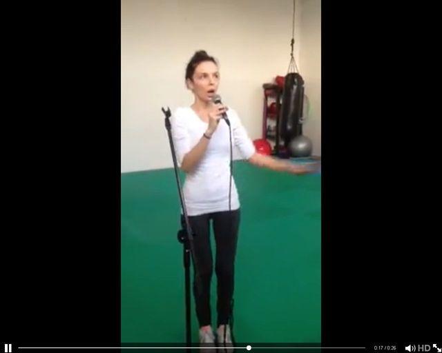 Agnieszka Włodarczyk bez makijażu śpiewa jak Amy Winehouse (