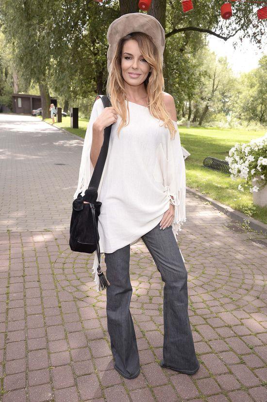 Agnieszka W�odarczyk dodatk�w do stylizacji szuka�a w drodze do pracy?