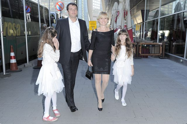 Aleksandra Woźniak pozuje z rodzinką (FOTO)