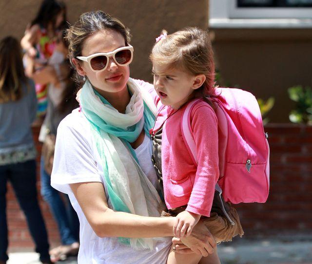 Anja, córka Alessandry Ambrosio, jak na wybiegu (FOTO)