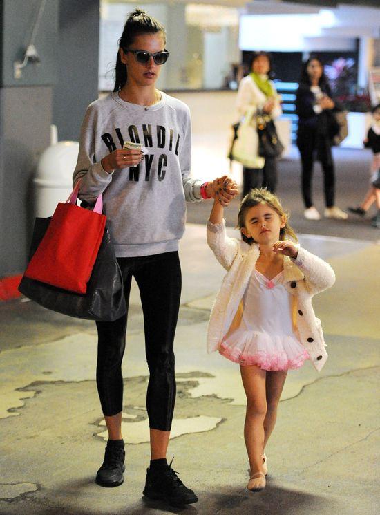 Poznajecie tę małą baletnicę? (FOTO)