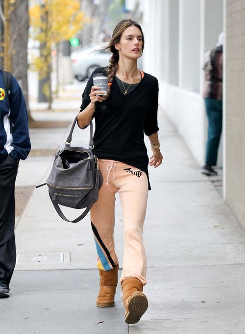 Alessandra Ambrosio shows off her model physiques at