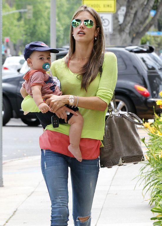 Alessandra Ambrosio - mama modelka (FOTO)