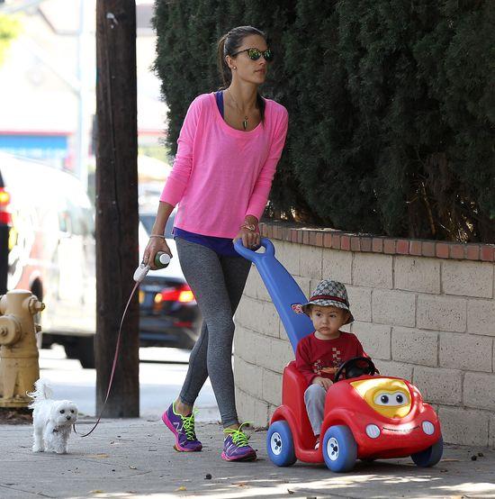 Co słychać u synka Alessandy Ambrosio? (FOTO)