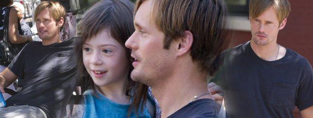 Alexander Skarsgard jako czuły ojciec (FOTO)