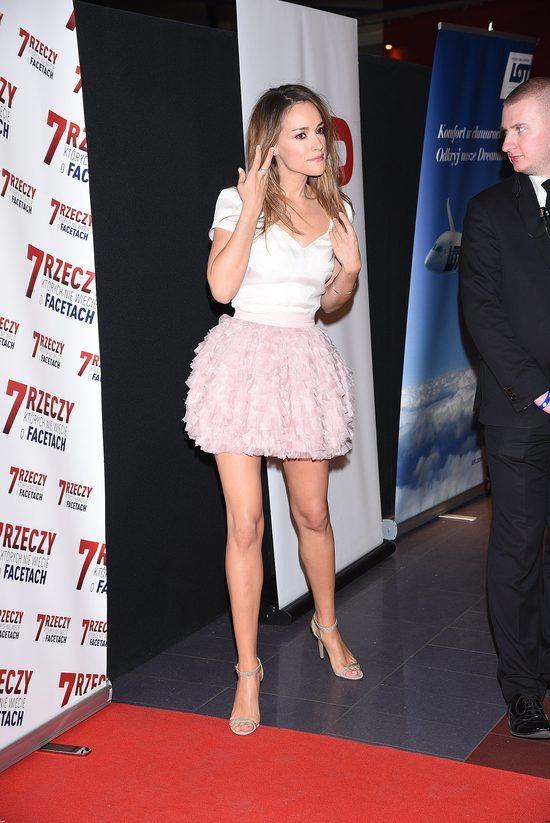Alicja Bachleda-Curuś w seksownej różowe mini (FOTO)