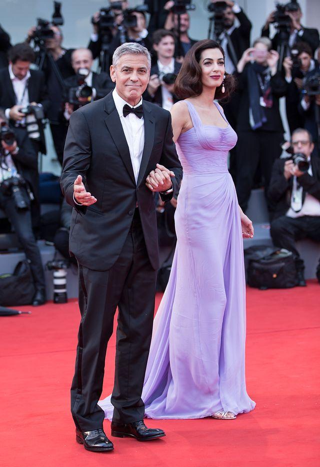 Sypialnia Clooneyów: Co tam się wyprawia?