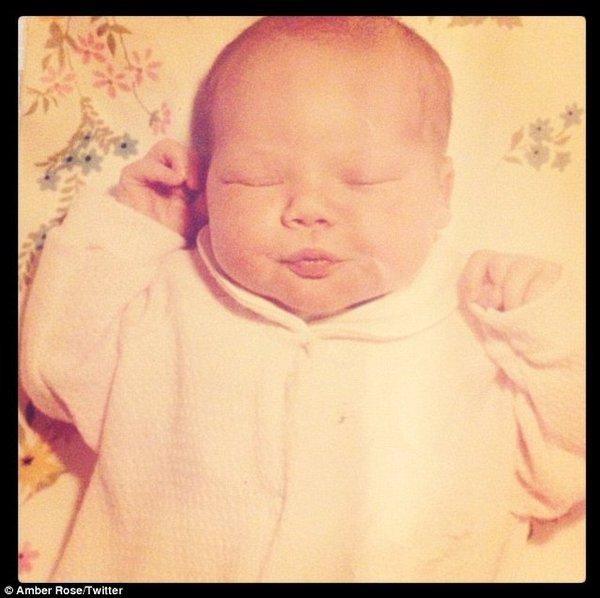 Amber Rose: To już siódmy miesiąc (FOTO)