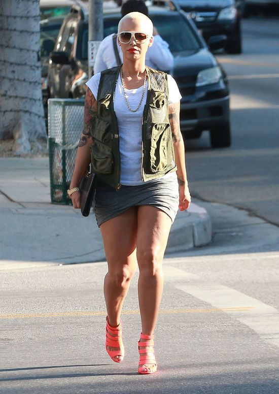 Amber Rose dodaje sobie seksapilu szpilkami (FOTO)