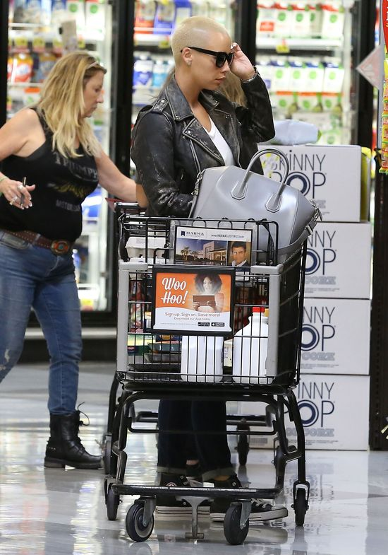 Amber Rose na zakupach z osobliwym mężczyzną (FOTO)