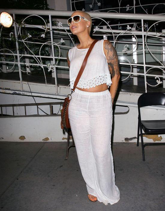 Amber Rose pokazała brzuch (FOTO)
