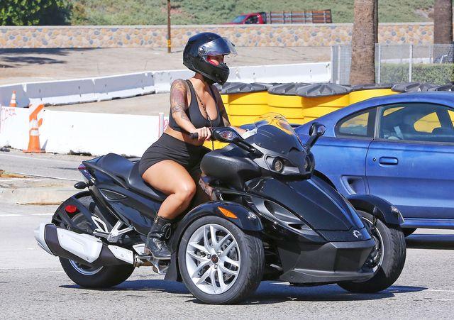 Amber Rose chce spowodować wypadek samochodowy?