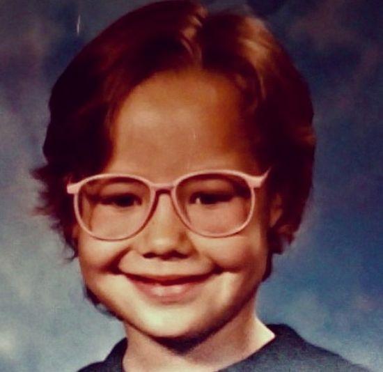 Nie zgadniecie, kto wyglądał tak w dzieciństwie! (FOTO)