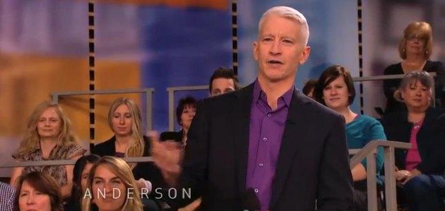 Anderson Cooper przerwał program z mamą – Barbie [VIDEO]