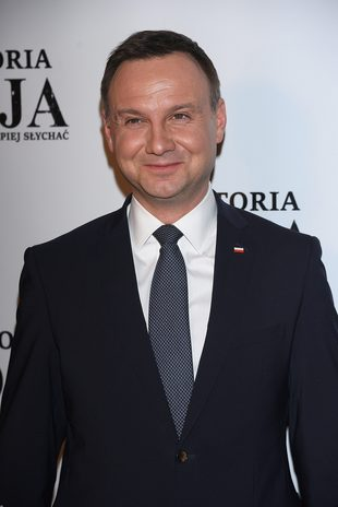 Andrzej Duda twittuje po nocach