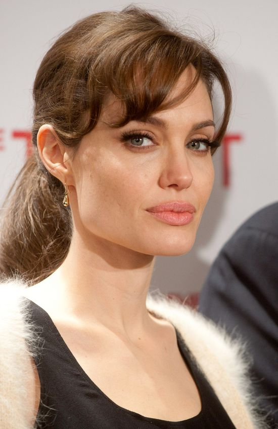 Angelina Jolie usunęła obie piersi!