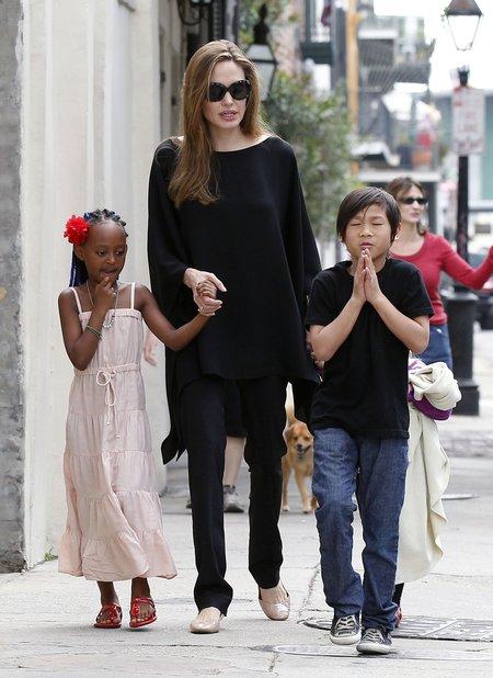 Angelina Jolie zabroniła dzieciom słuchać Rihanny