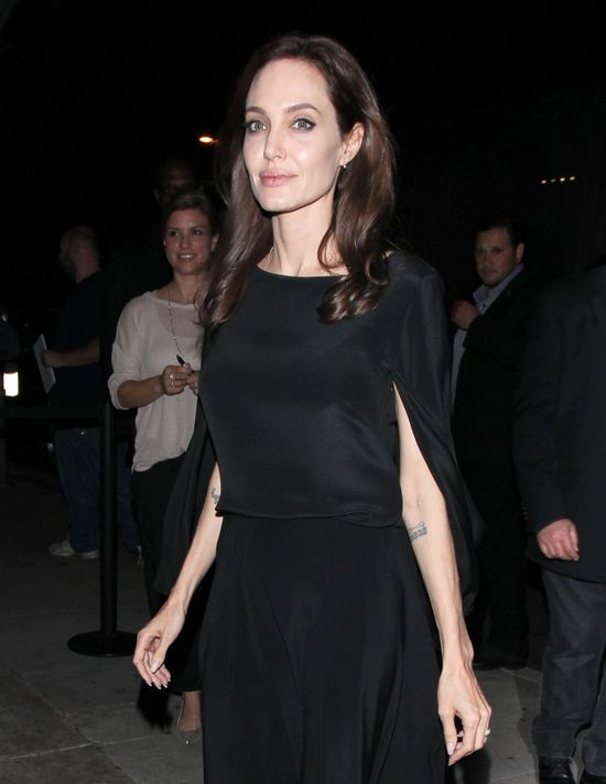 Angelina Jolie blada jak trup (FOTO)
