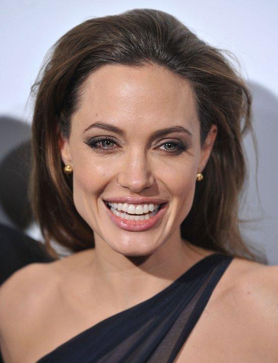 Angelina Jolie wybrała projektantkę swej sukni ślubnej