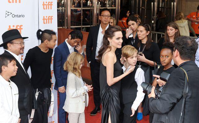 OK Magazine: Dzieci Angeliny Jolie ZDZICZAŁY