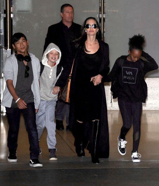Angelina z dzieciakami jak zawsze wzbudzili zainteresowanie