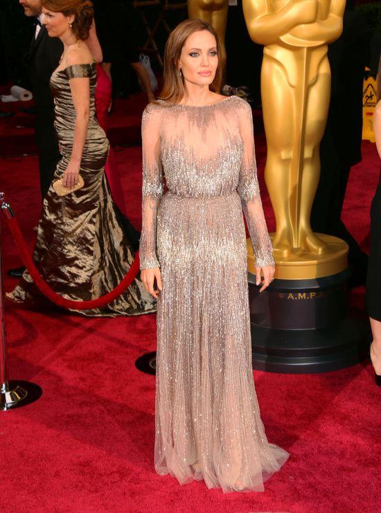 Co Angelina Jolie robi, by utrzymać szczupłą sylwetkę?