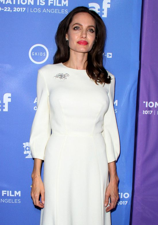 Niespodziewana decyzja Angeliny o czwartym ślubie była szokiem dla jej dzieci