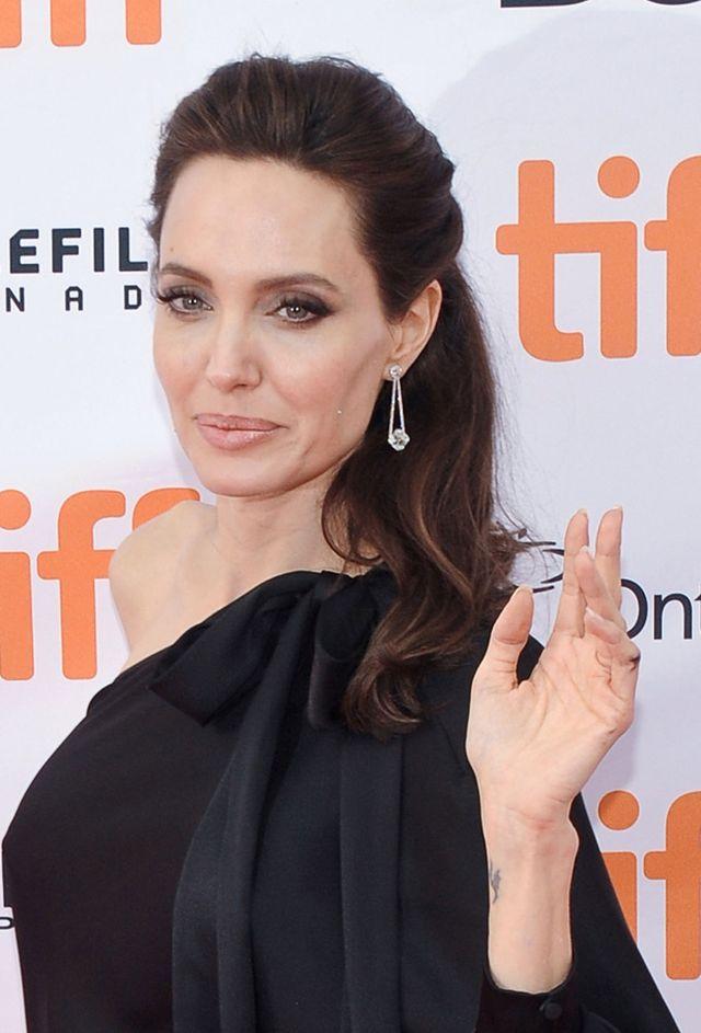 Szczegóły z prywatnego życia Angeliny Jolie ujrzały światło dzienne
