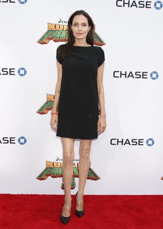 To przez NI� Angelina Jolie wygl�da jak �ywy trup