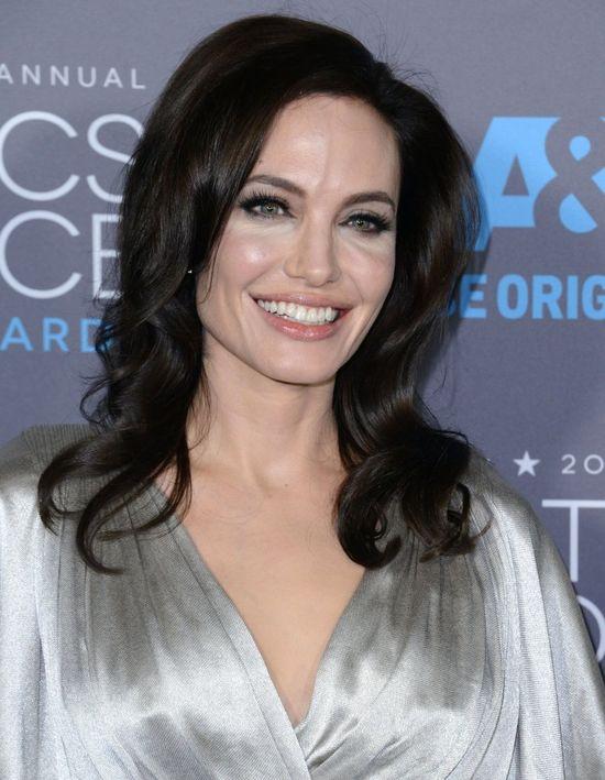 Angelina Jolie pokaza�a, �e ma wielkie serce