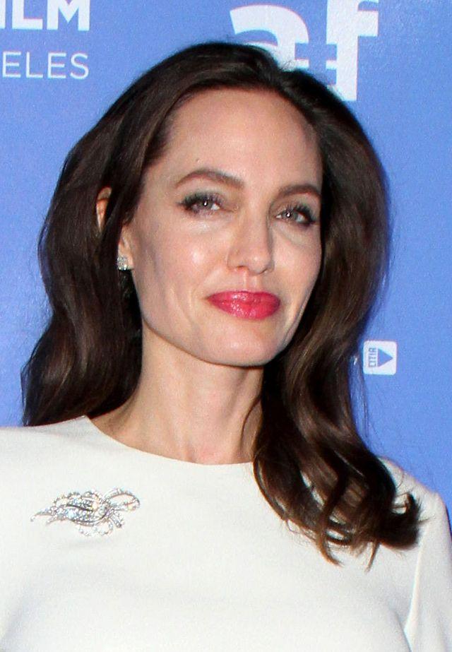 Angelina Jolie ma problem z alkoholem?