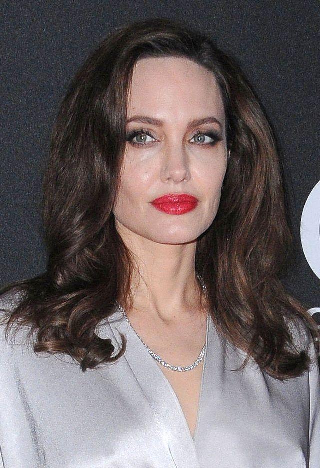 Angelina Jolie zdradza, dlaczego rozstała się z Bradem Pittem?