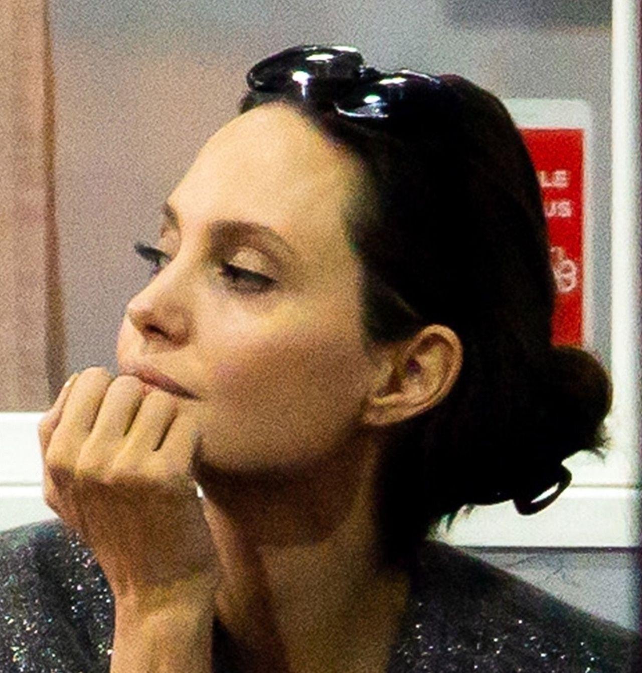 Angelina Jolie na co dzień z dziećmi - zwykła mama? (ZDJĘCIA)