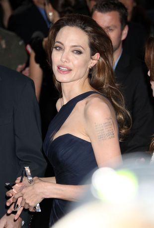 Angelina Jolie nie lubi swojego pierścionka zaręczynowego?